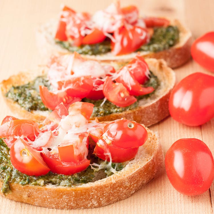 Tomato and Basil Pesto Bruschetta