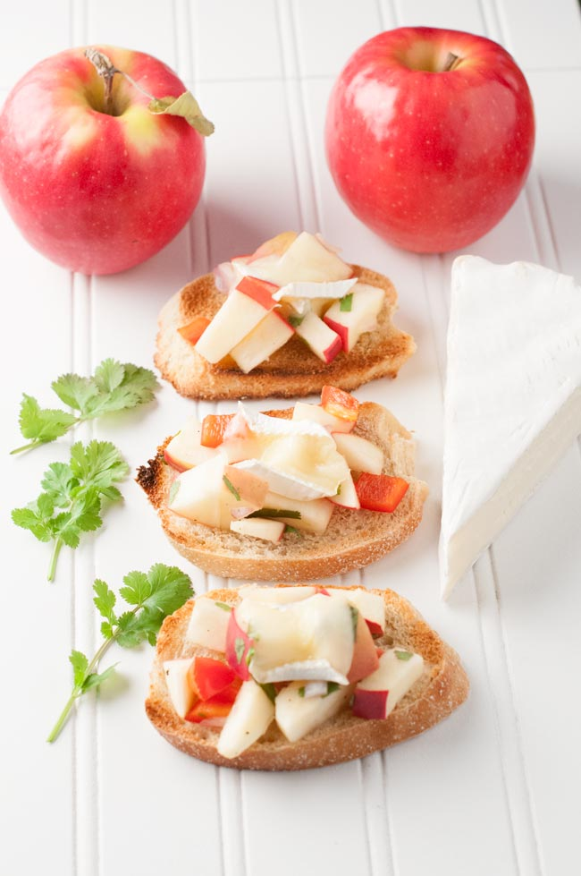 Apple Brie Crostini