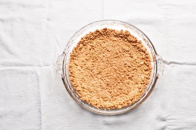 chocolate hershey bar pie graham cracker crust