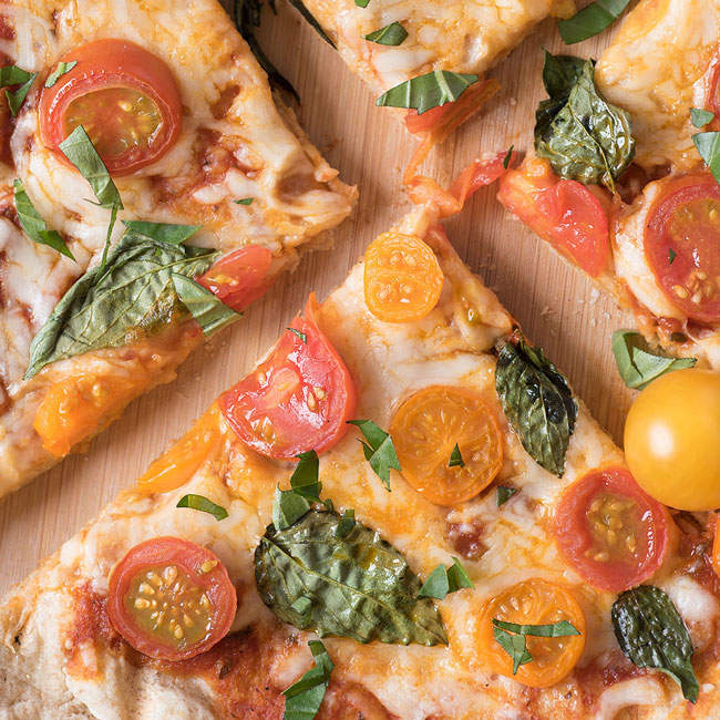 how to make tomato basil grilled pizza